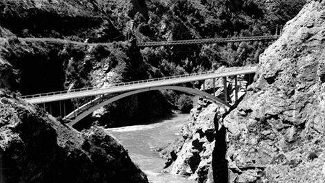 Kawarau-Gorge-Bridge-1